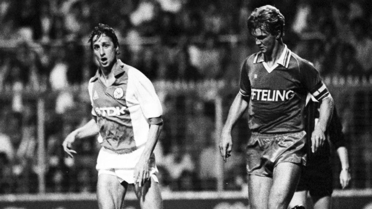 Johan Cruyff of Ajax and Louis van Gaal of Sparta