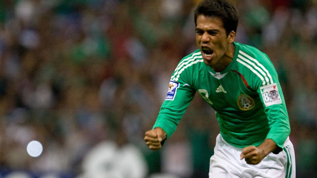 Pavel Pardo with Mexico NT