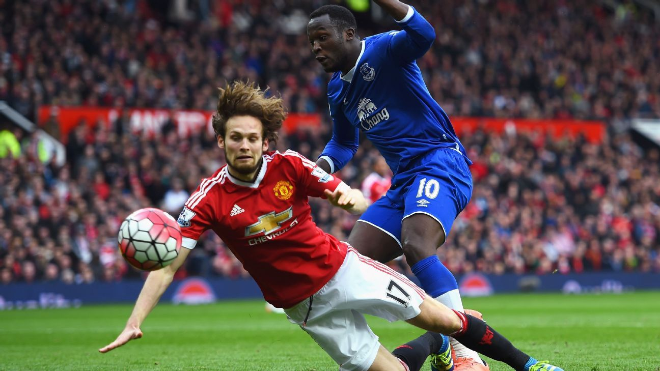 Daley Blind and Romelu Lukaku