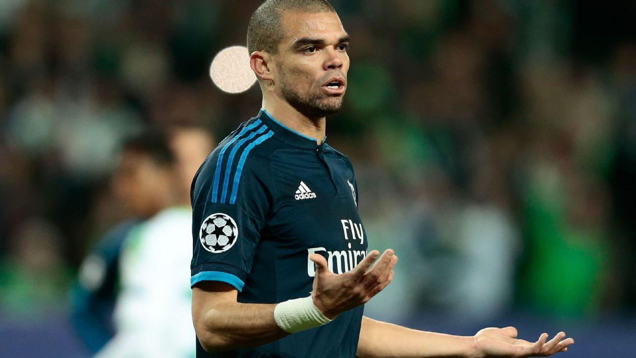 Pepe vs Wolfsburg