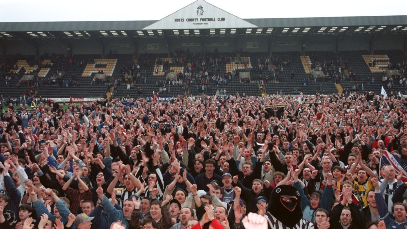 Notts County stadium fans 160408