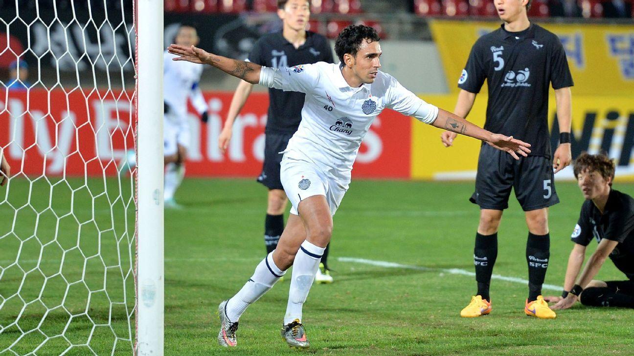 Buriram striker Diogo Luis Santo
