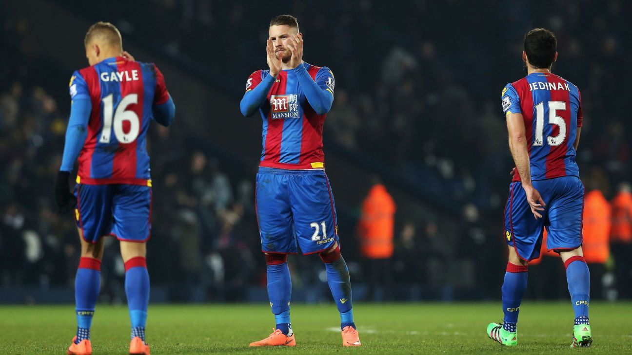Connor Wickham clapping