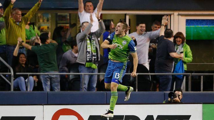 Jordan Morris celebrates goal