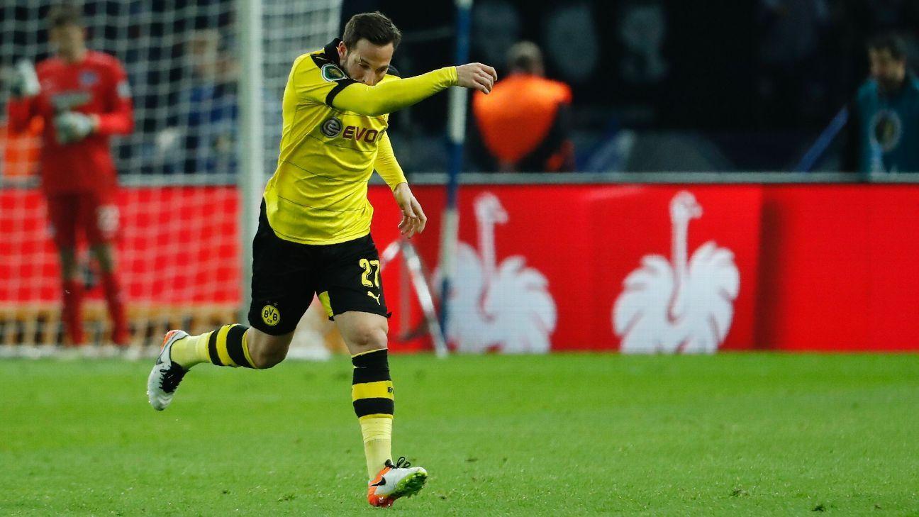 Gonzalo Castro celebrates v Hertha