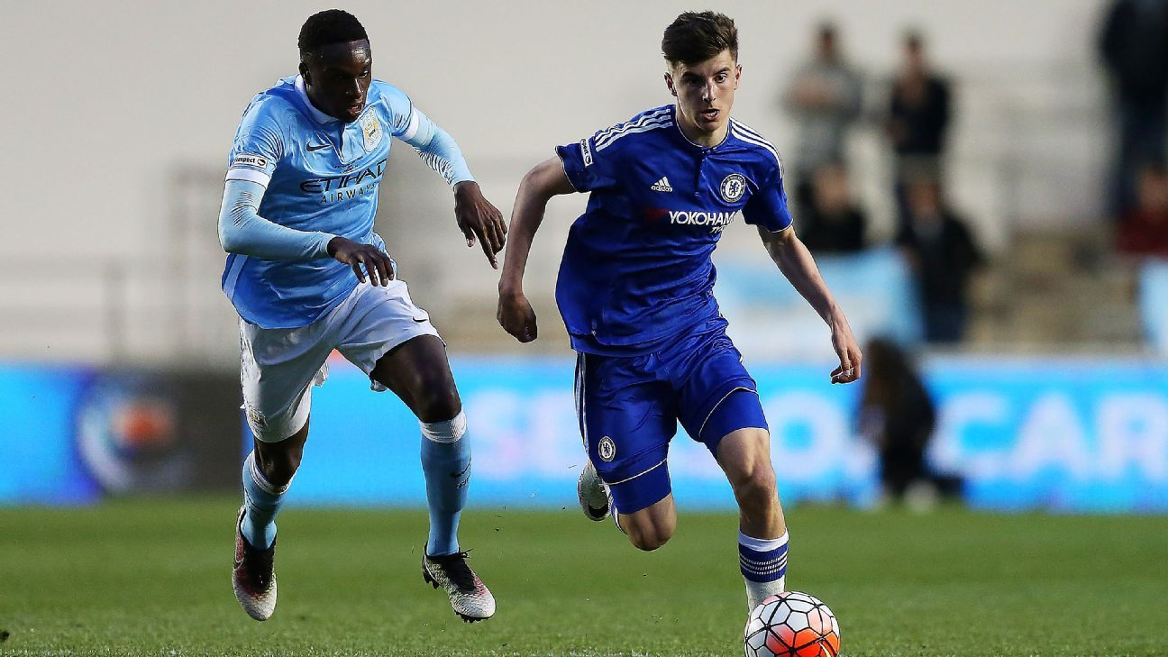 Rodney Kongolo of Man City, Chelsea's Mason Mount