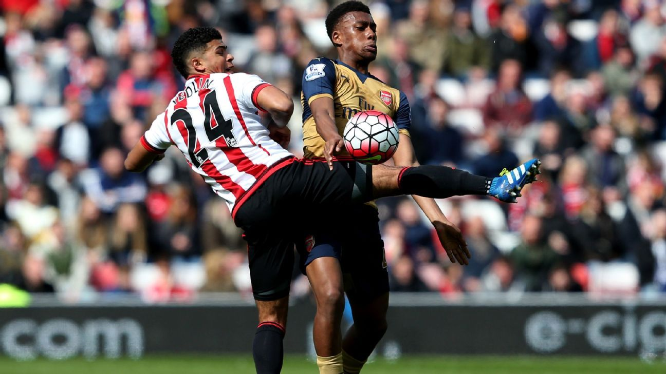 DeAndre Yedlin vs Arsenal