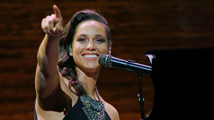 Alicia Keys UCL final 160426