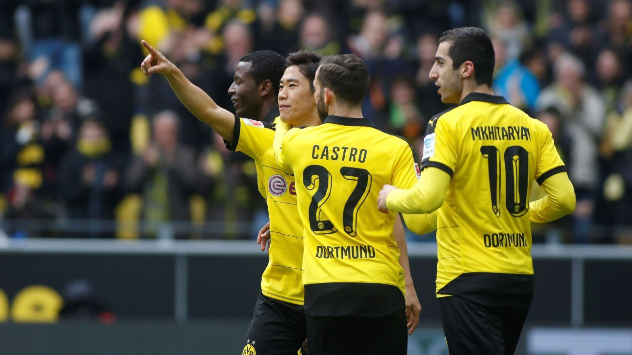 BVB celebrating v Wolfsburg