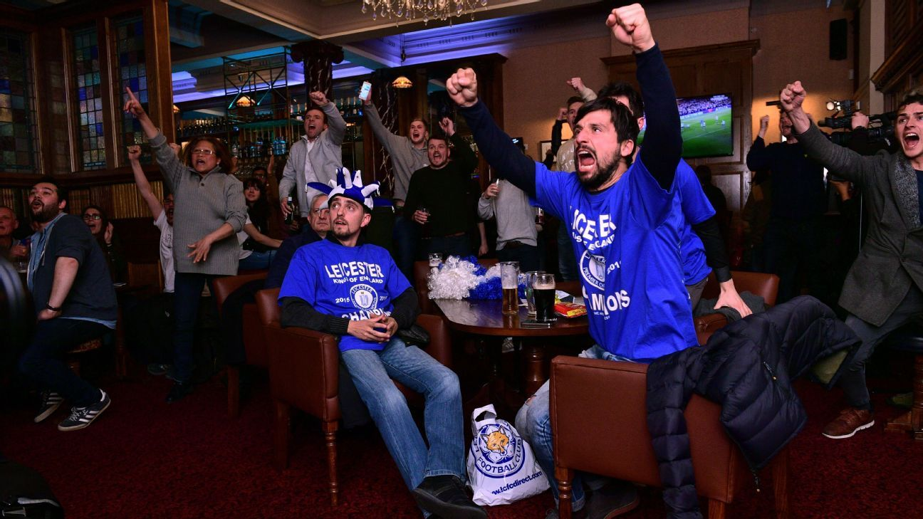 Leicester City fans watch Chelsea vs. Tottenham