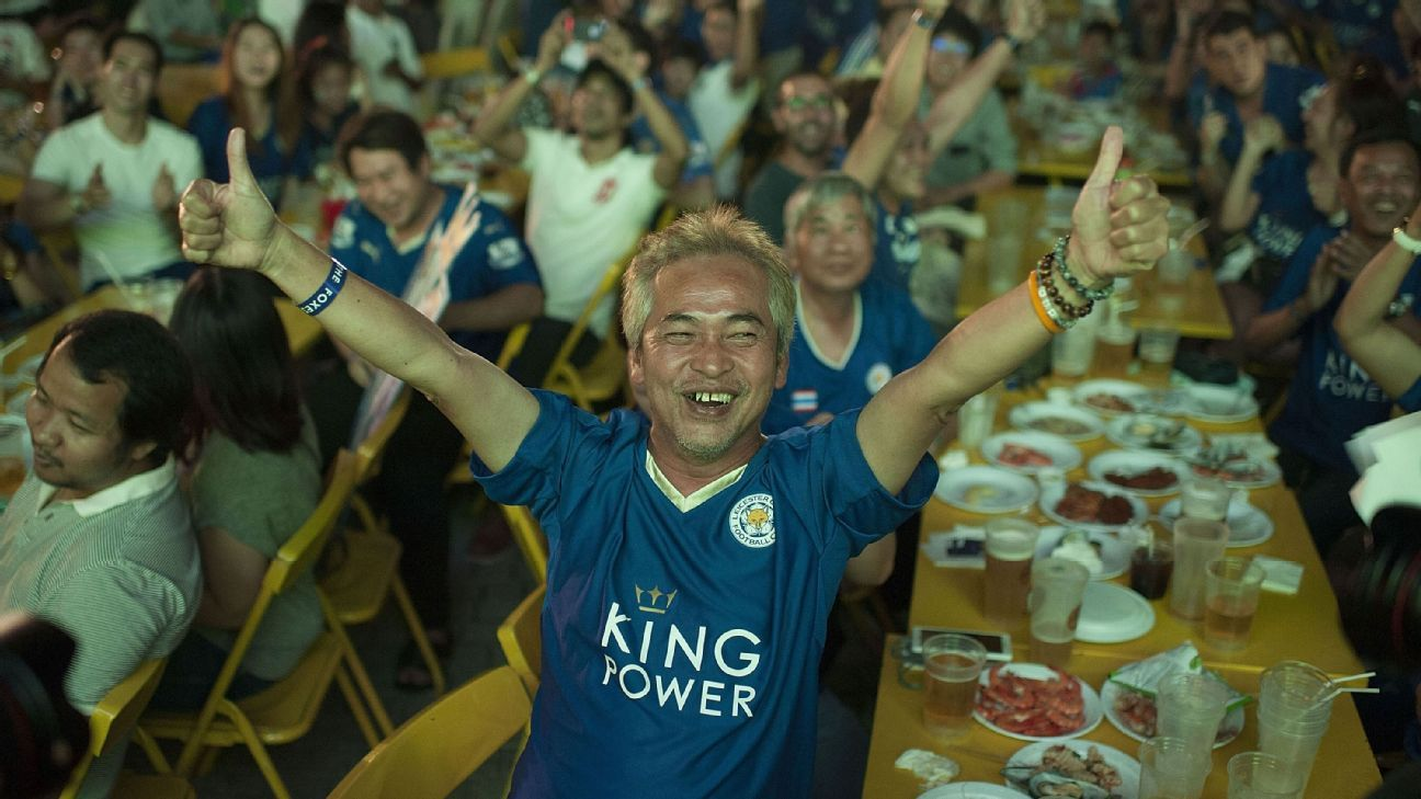 Celebrating Thai Leicester fans