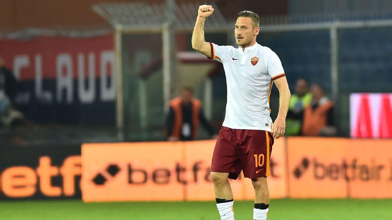 Francesco Totti v Genoa