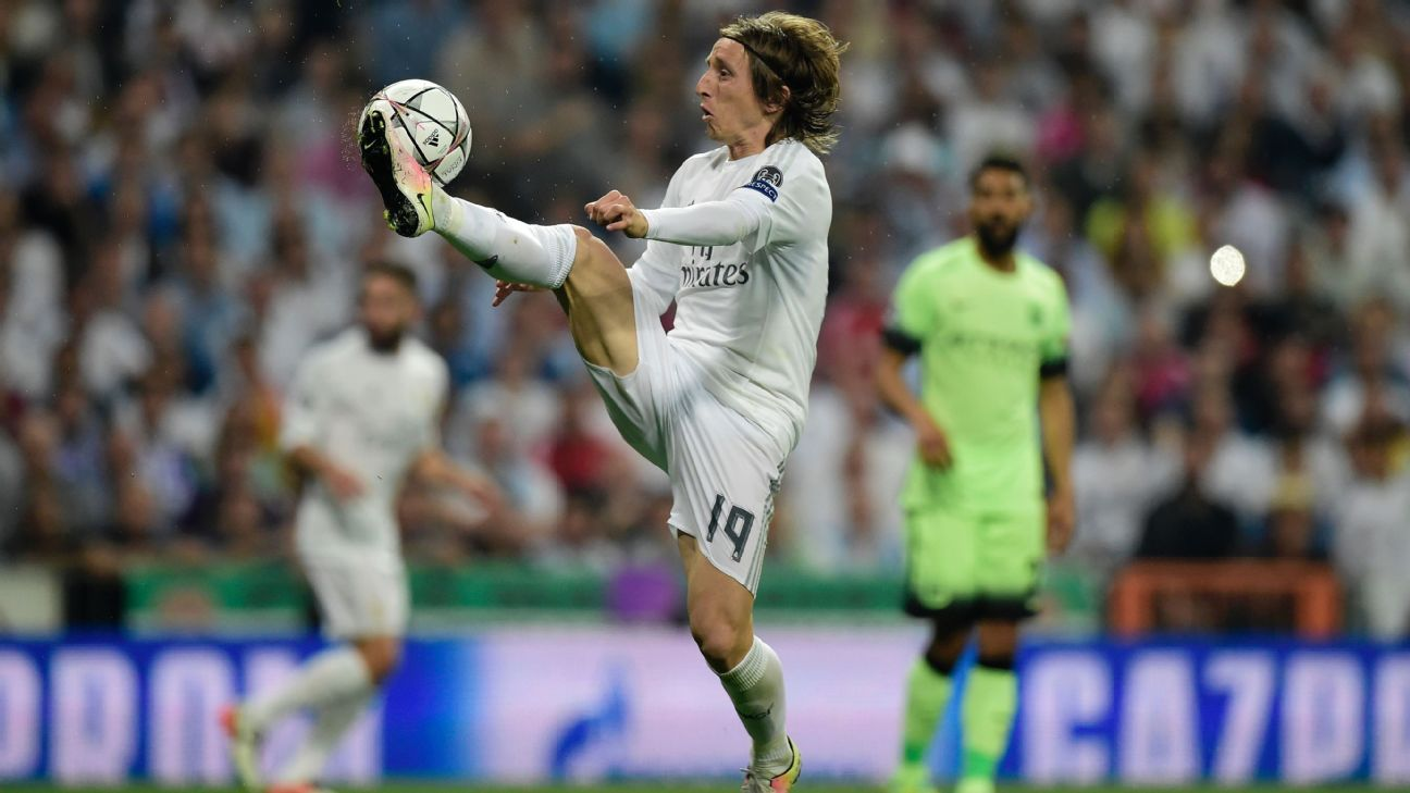 Luka Modric v Man City