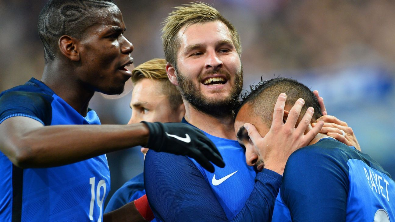 France celebrating