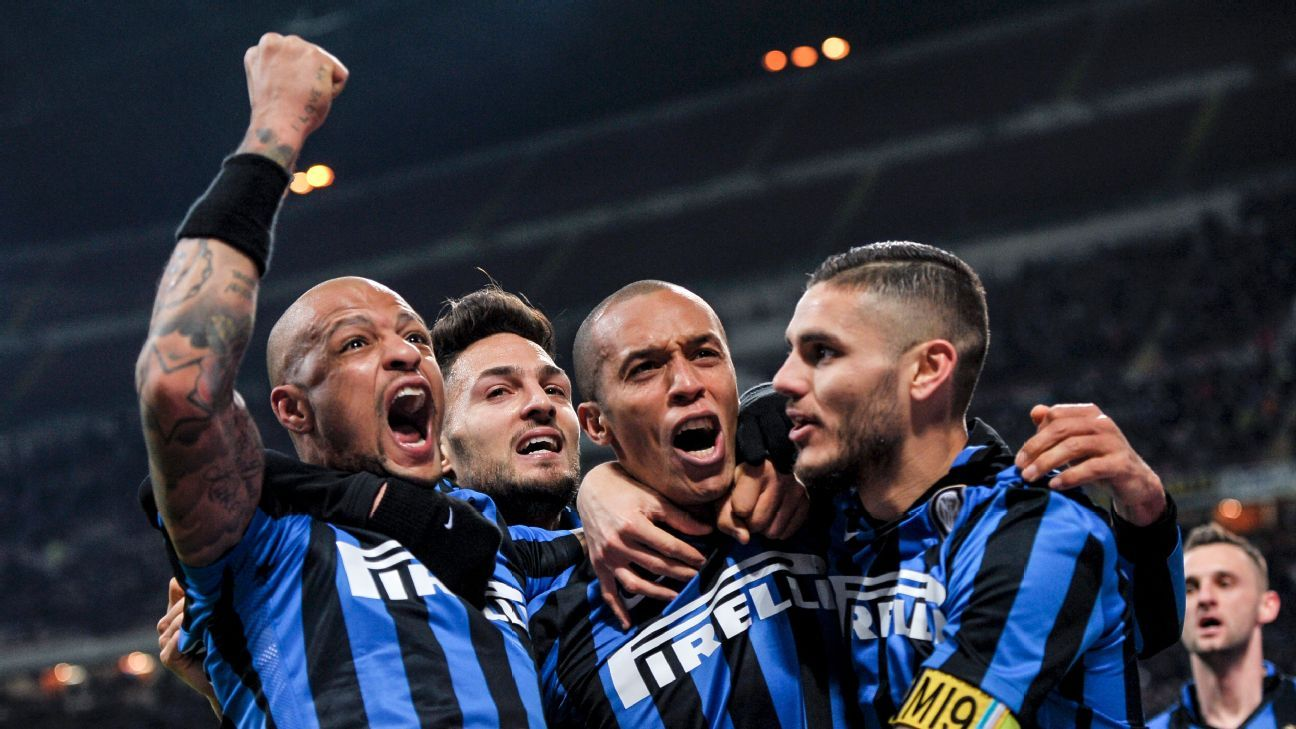 Inter Milan celebration w/ Miranda, Felipe Melo