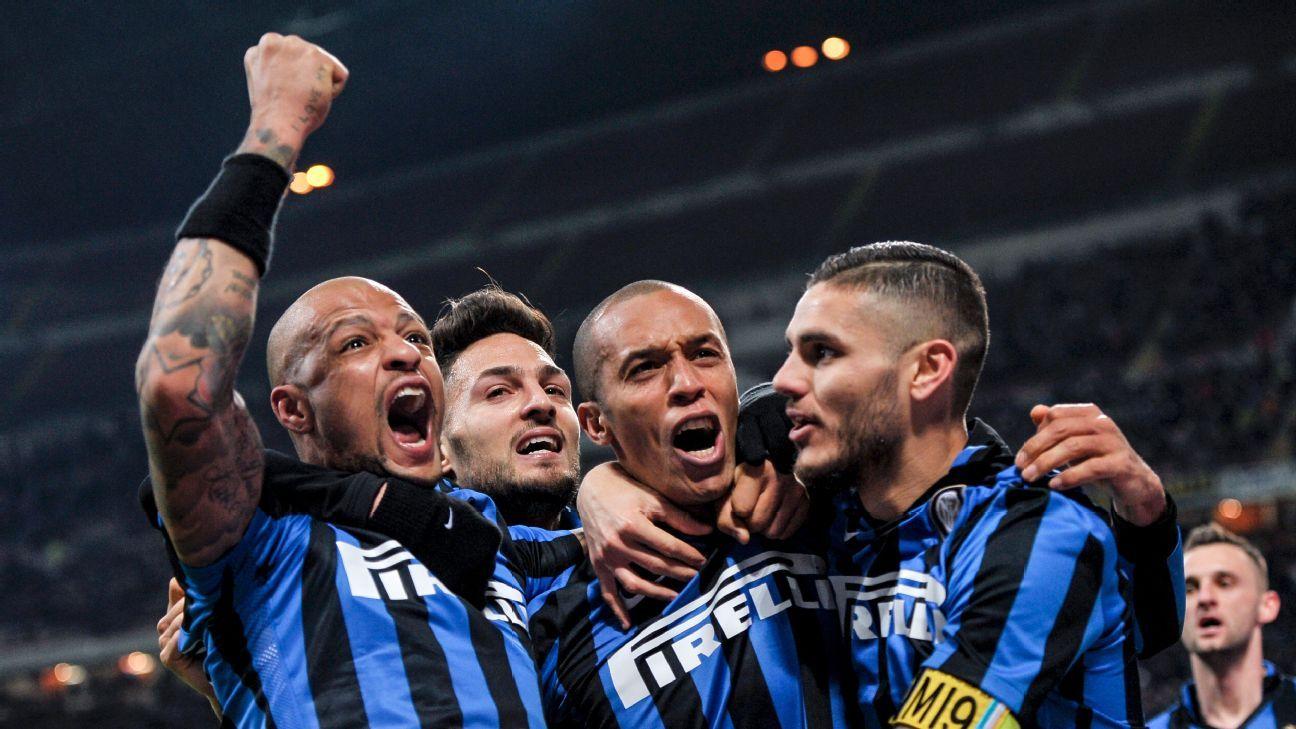 Inter Milan celebration w/ Miranda, Felipe Melo