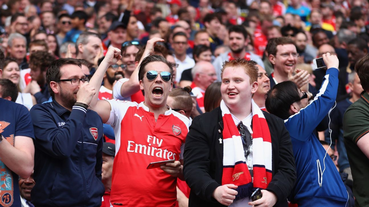 Arsenal fans cheering