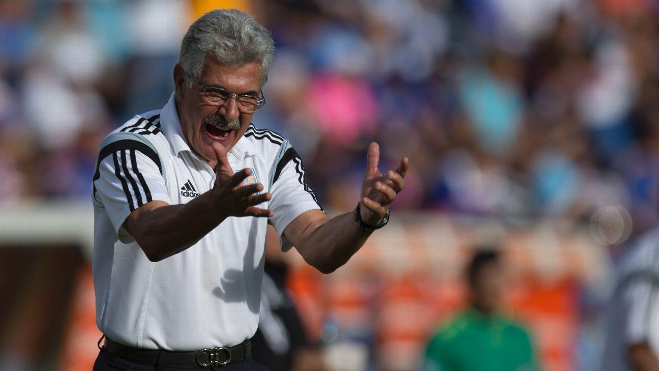 Tigres coach Ricardo Ferretti