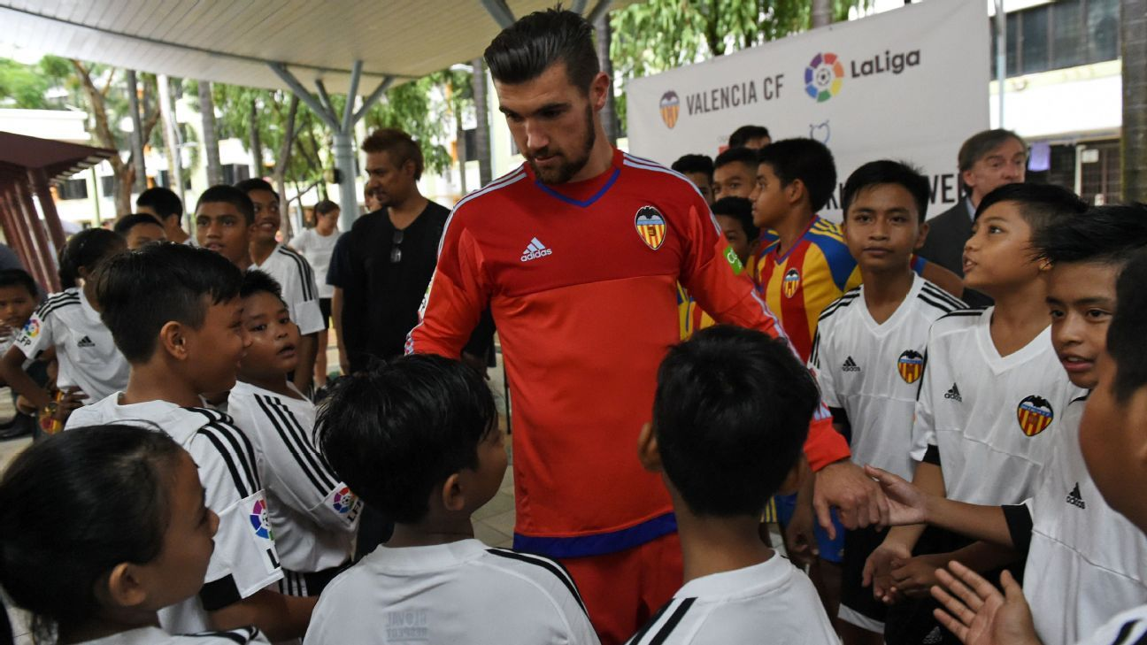 Matt Ryan of Valencia in Singapore