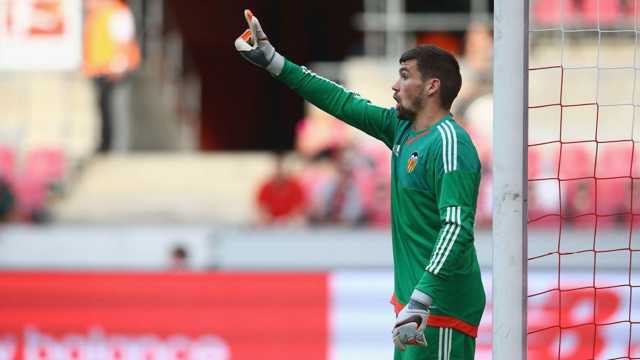 Valencia goalkeeper Matt Ryan
