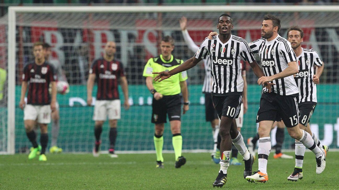 Juve celebrate v Milan