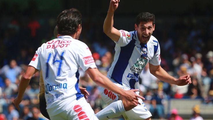 Omar Gonzalez celebrating