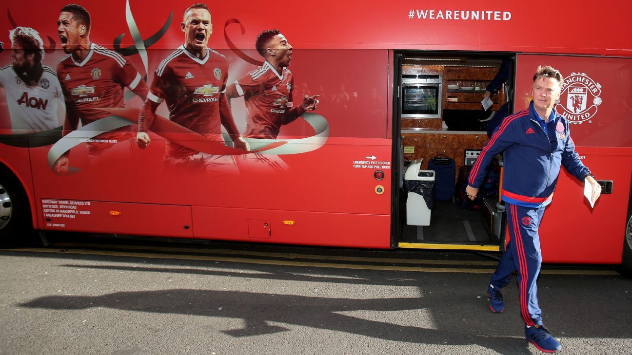 LVG off the Manchester United bus