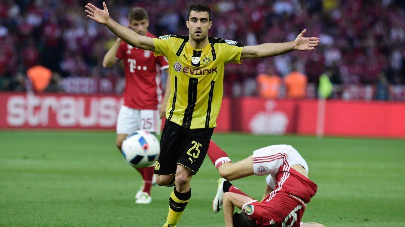 Sokratis in German Cup final