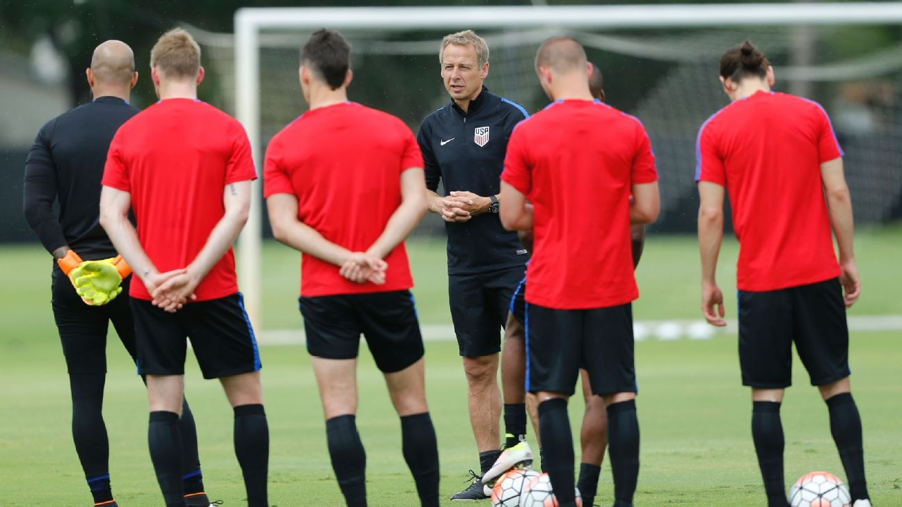 Klinsmann at Dallas camp 160524