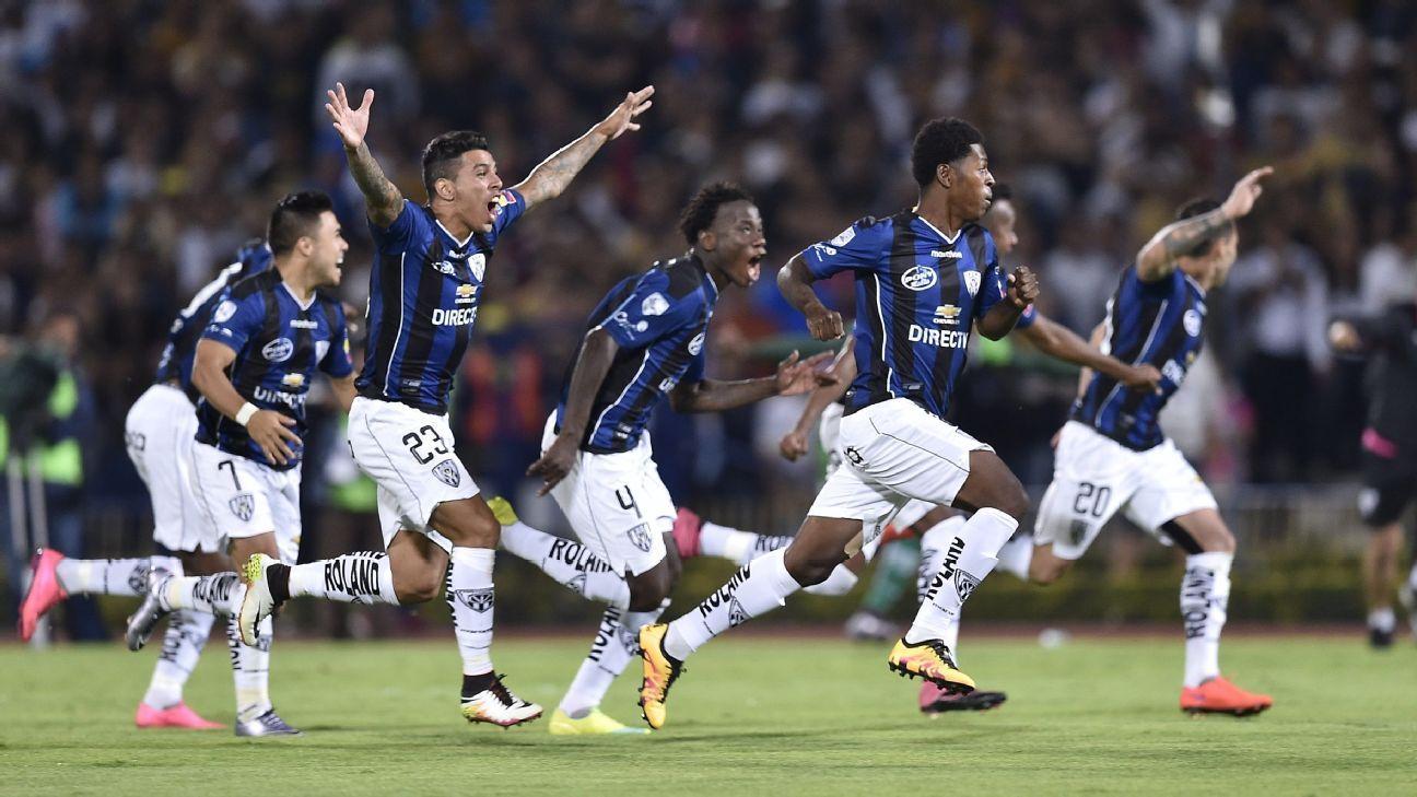 Independiente del Valle players celebrate