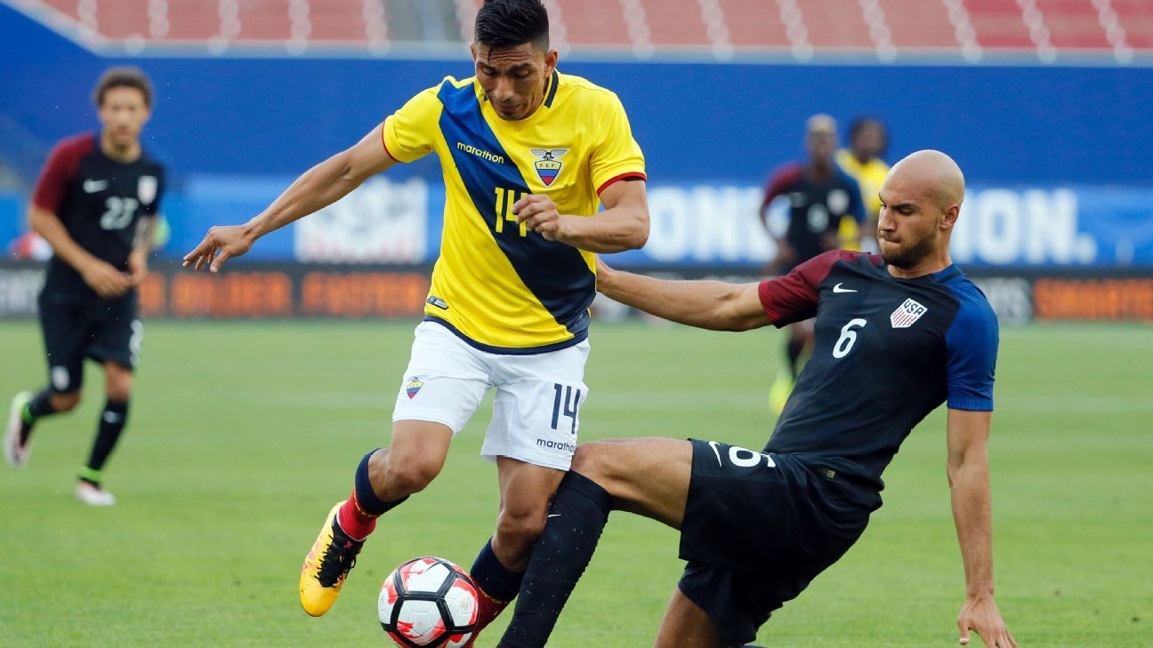 John Brooks challenge vs Ecuador 160525