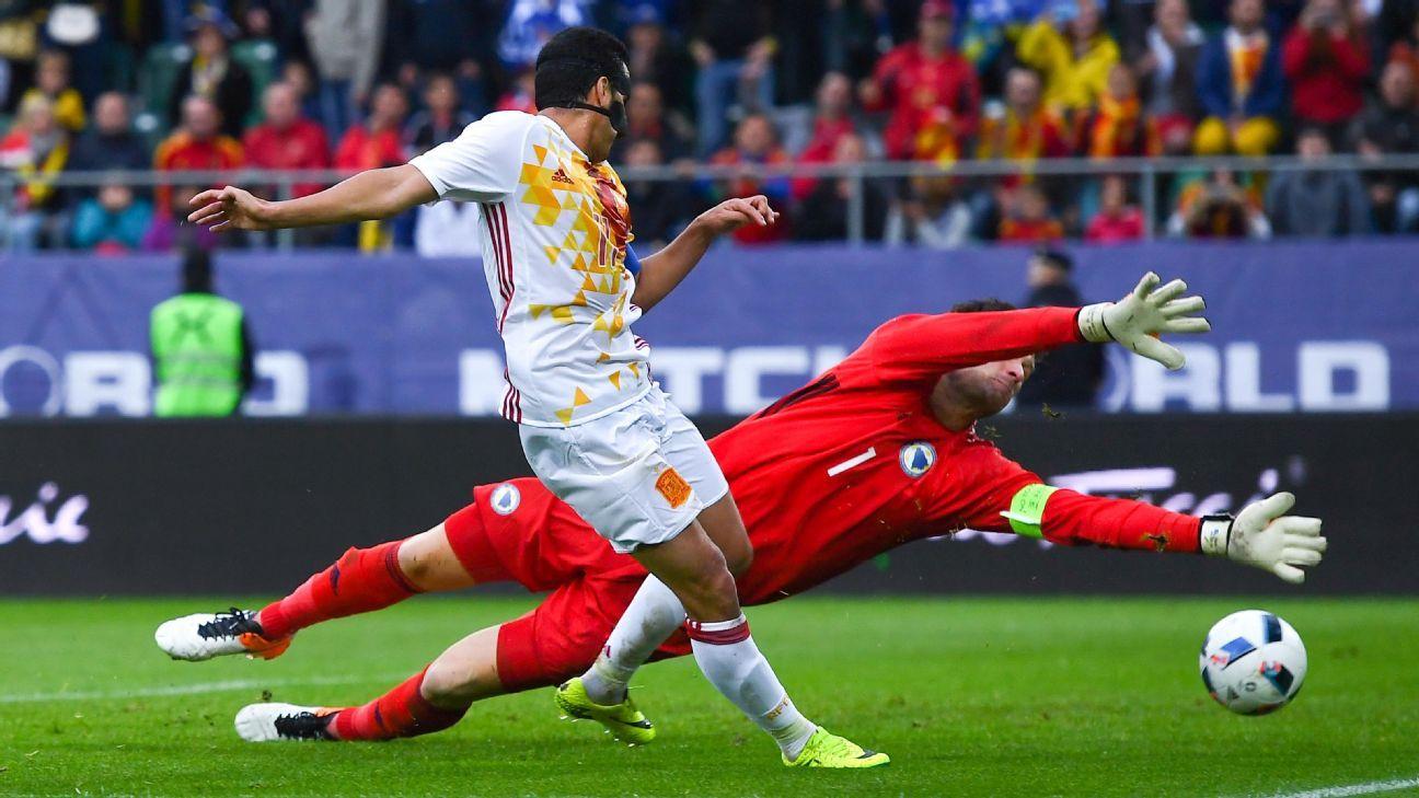 Pedro goal vs. Bosnia