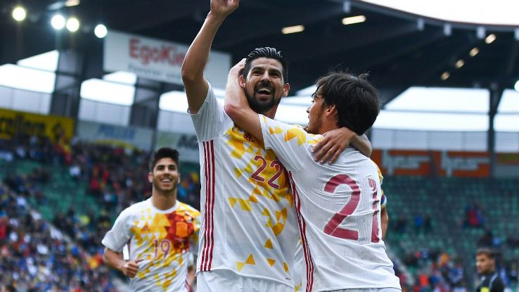 Nolito celebrating with Spain