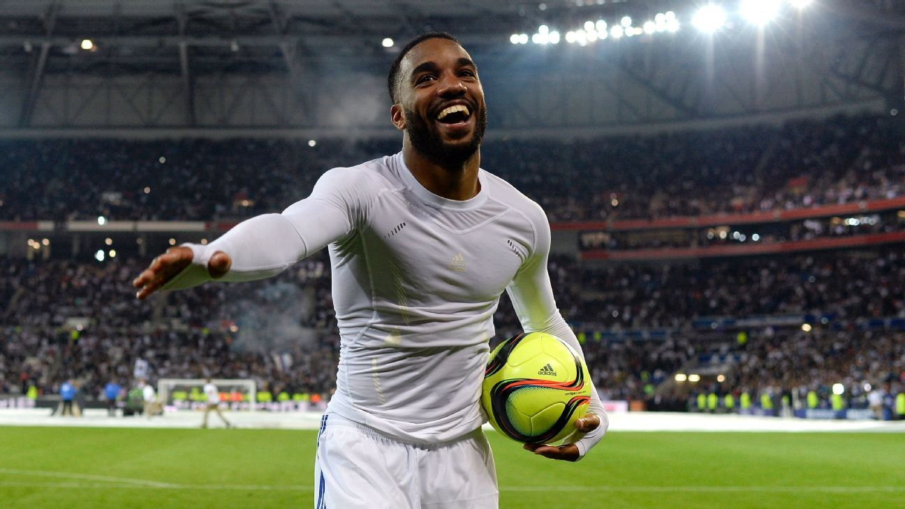 Arsenal sign Alexandre Lacazette from Lyon for club record fee
