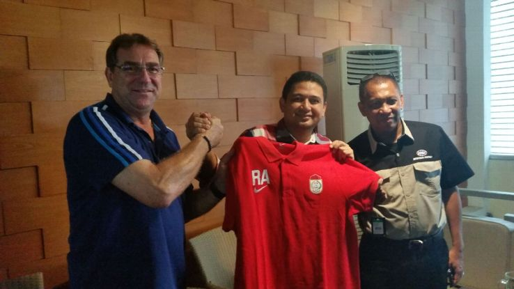 Roberts Alberts PSM Makassar coach