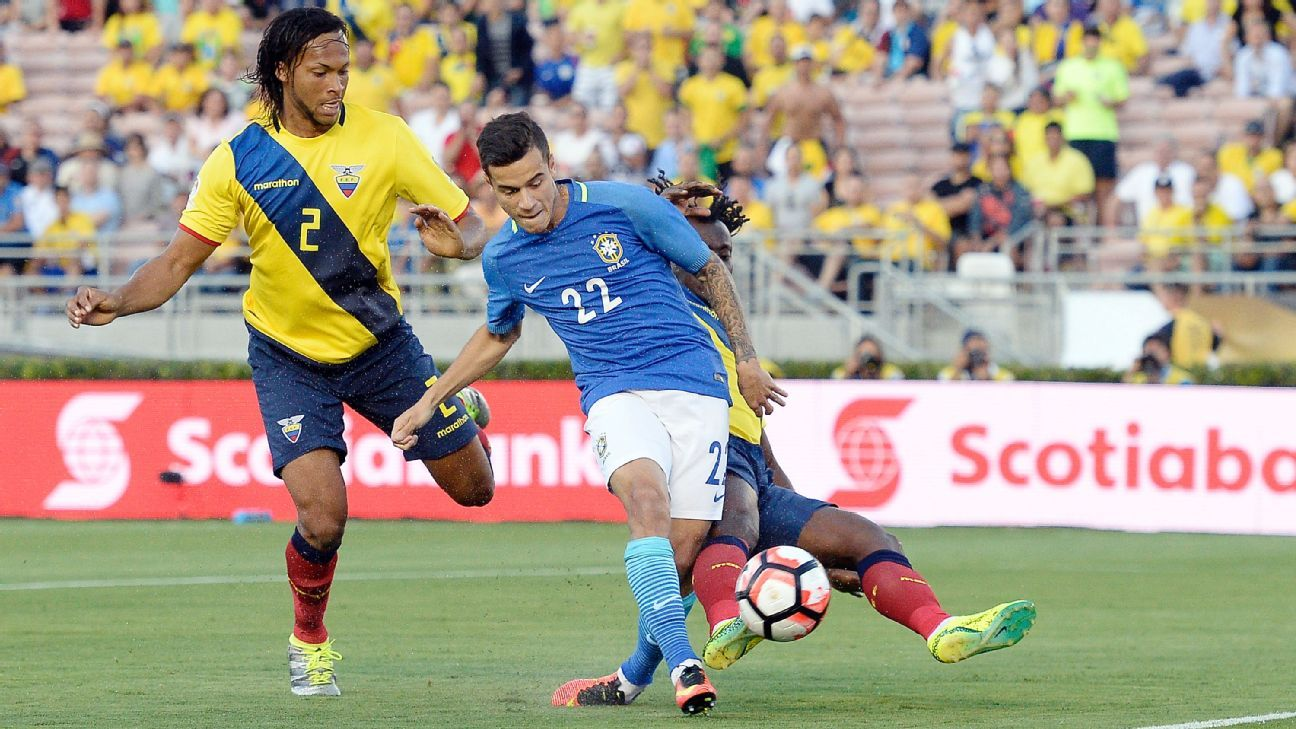 Philippe Coutinho misses from close range on a golden opportunity in the first half vs. Ecuador.