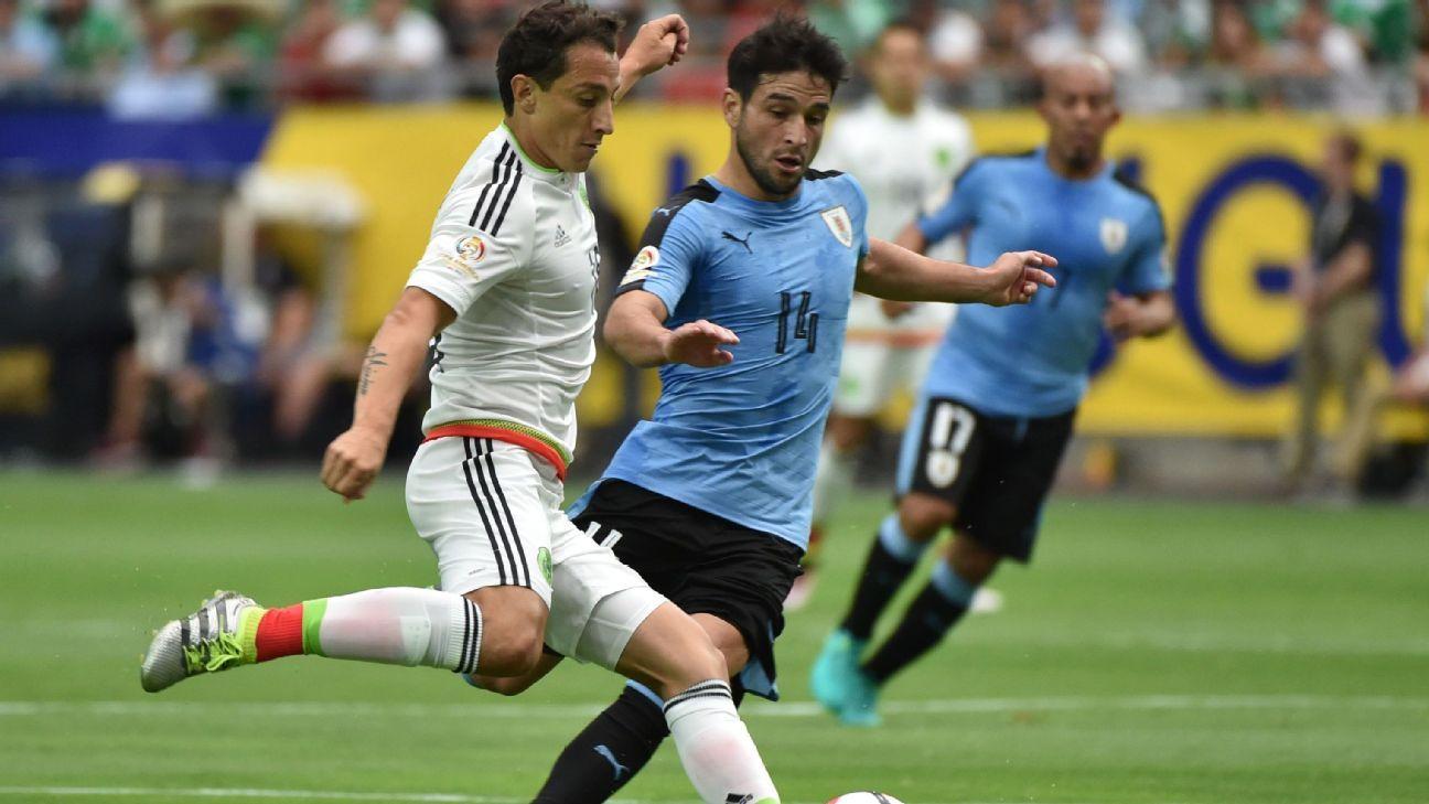 Andres Guardado vs Uruguay