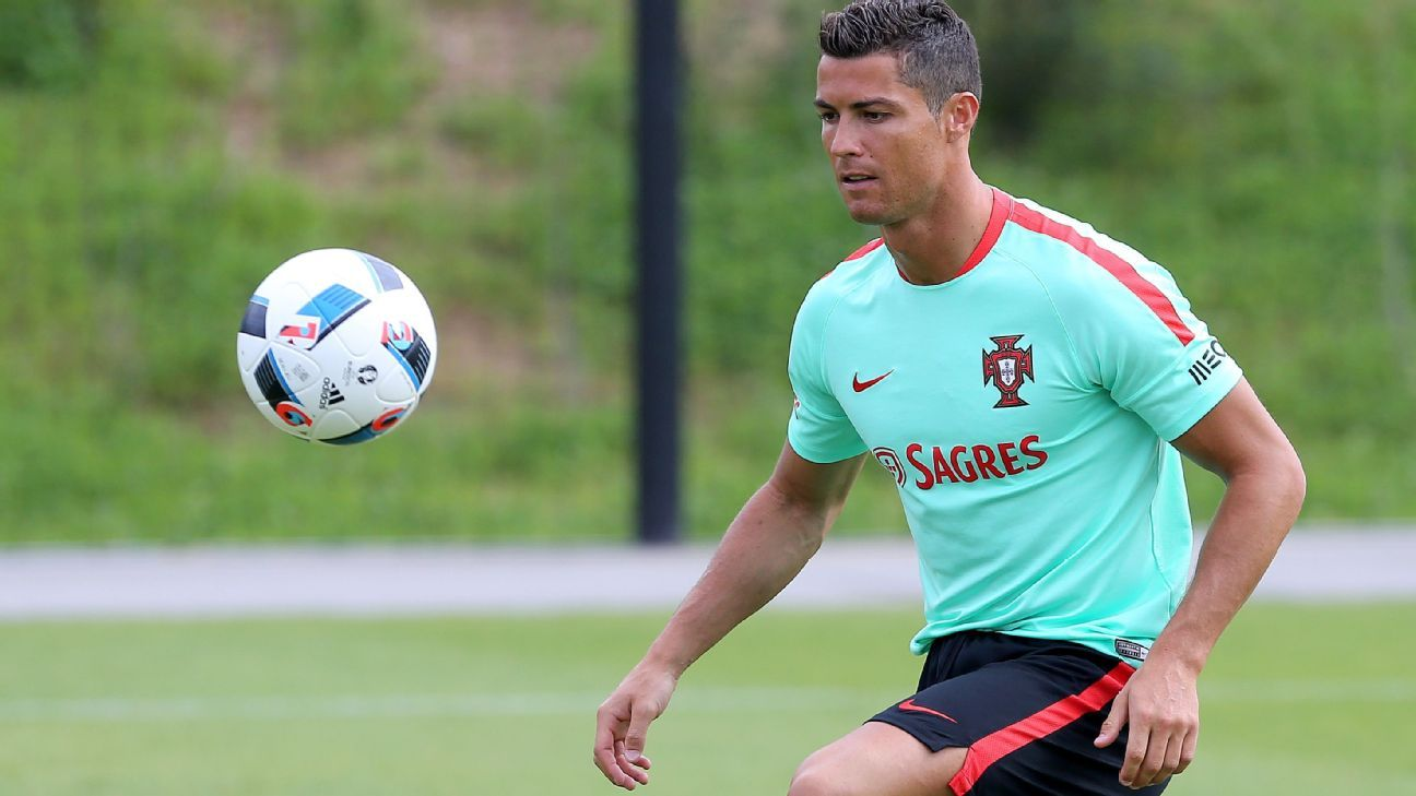 Cristiano Ronaldo Portugal training