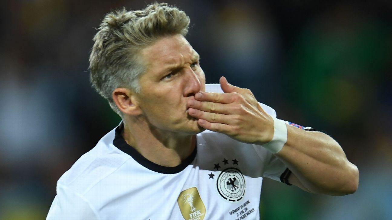 Schweinsteiger goal vs. Ukraine