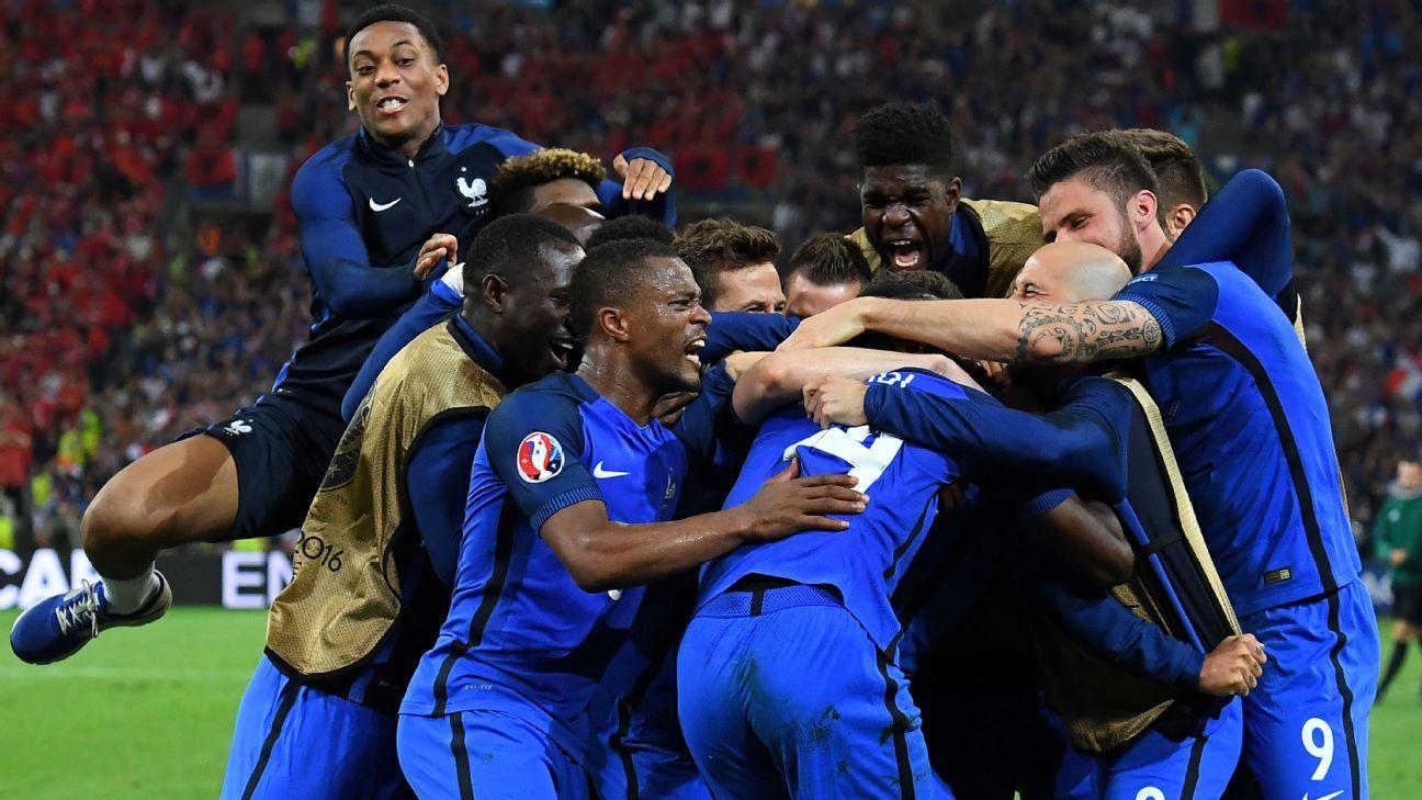 France celebrate 2-0 win over Albania