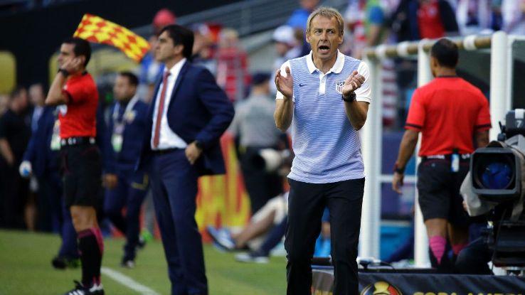 Klinsmann claps vs Ecuador 160616