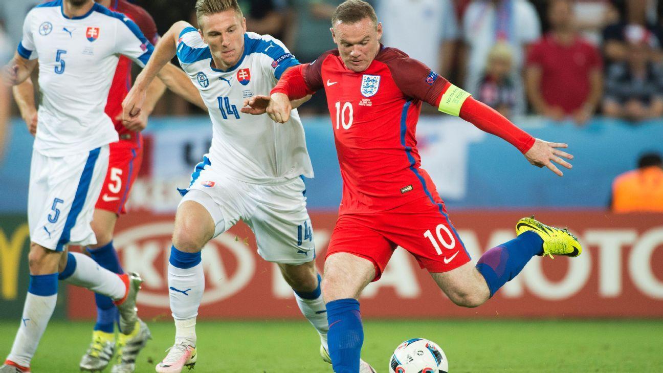 Wayne Rooney v Slovakia