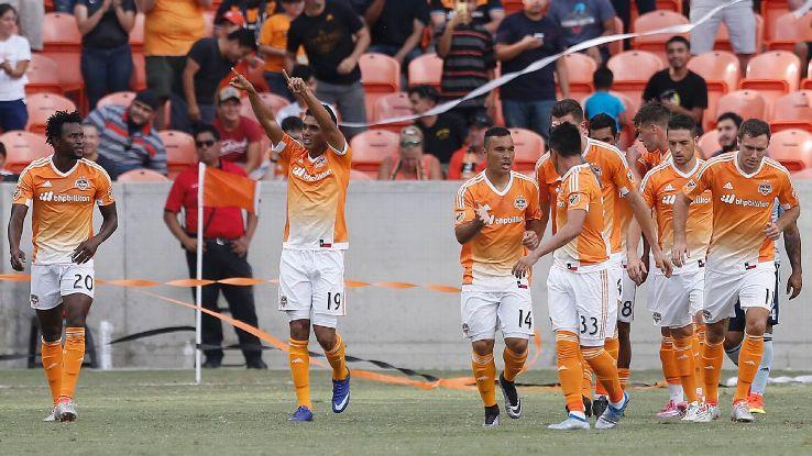 Dynamo celeb vs Sporting KC 160629