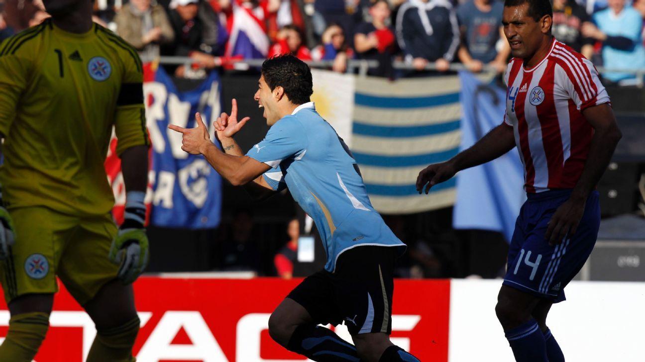 Luis Suarez v Paraguay 2011