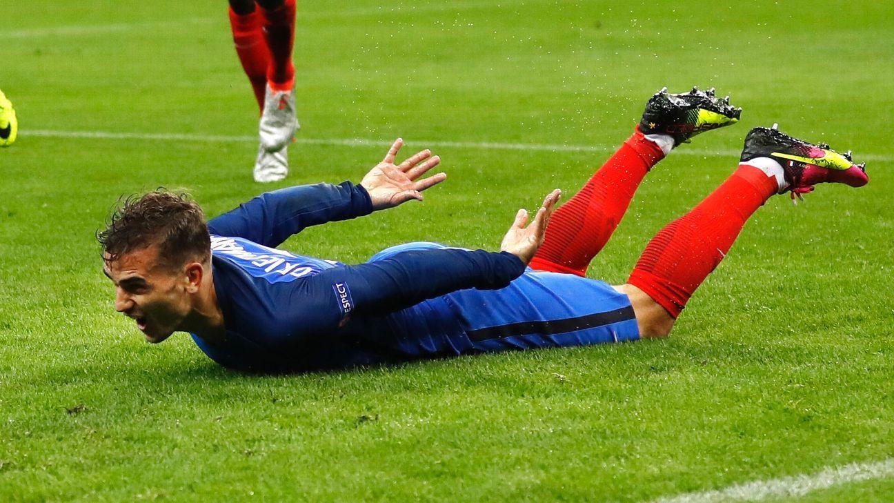 Antoine Griezmann celebrates