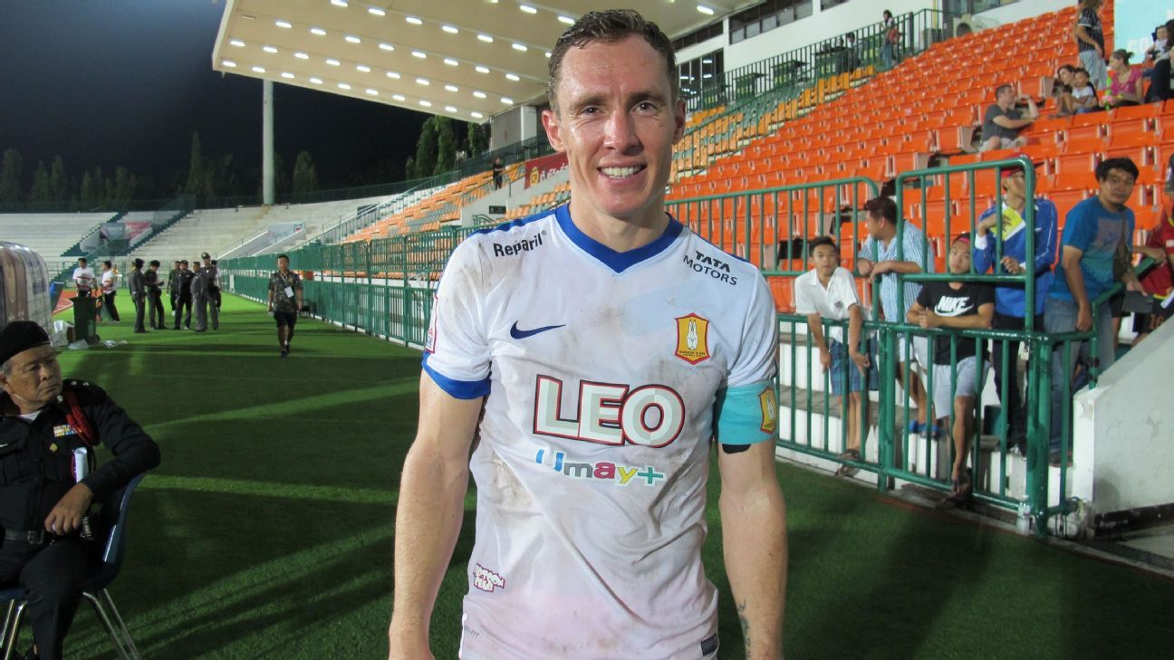 Bangkok Glass defender Matt Smith