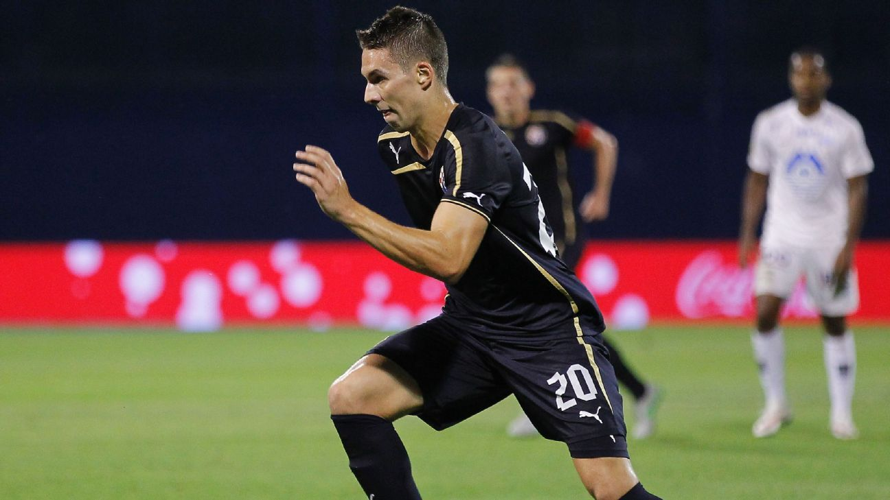 Marko Pjaca in action for Dinamo Zagreb