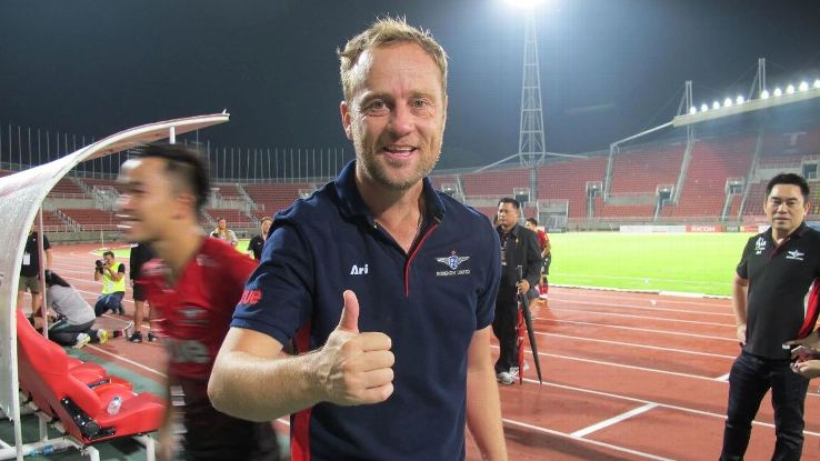 Bangkok United coach Mano Polking