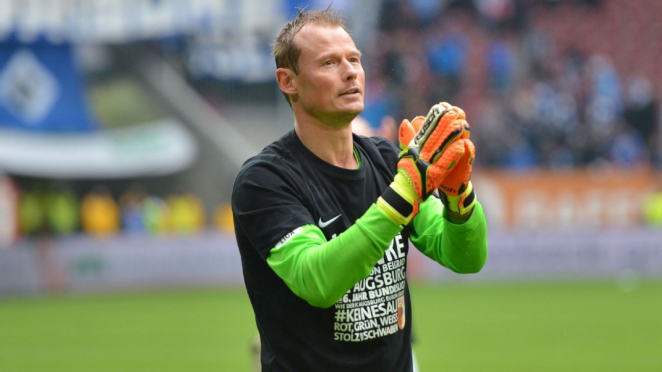 Alexander Manninger is a free agent after leaving Augsburg at the end of last season.