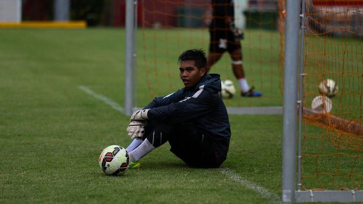 Singapore goalkeeper Izwan Mahbud